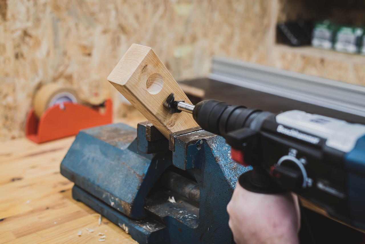 Tool Review: BOSCH Bohrhammer GBH 2-28 F