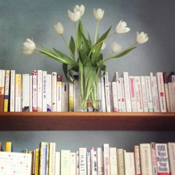 books for creatives danielle raine bookshelf