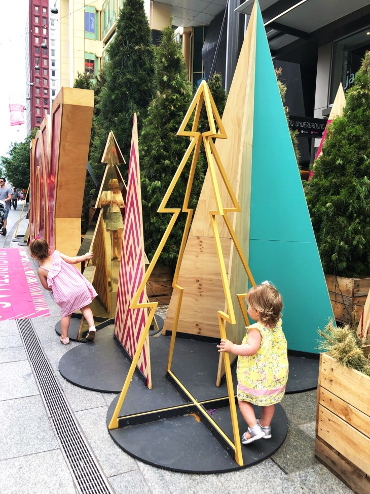 november roundup christmas in adelaide rundle mall christmas tree kids playing summer