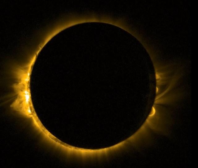 El Eclipse De Marzo De  Visto Desde El Espacio En Ultravioleta Por El Satelite Proba