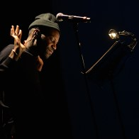 Abd Al Malik sur scène à la Cigàlière de Sérignan