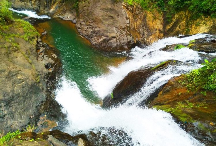 One of the smaller cascades of Badi falls in Kapangan, Benguet.
