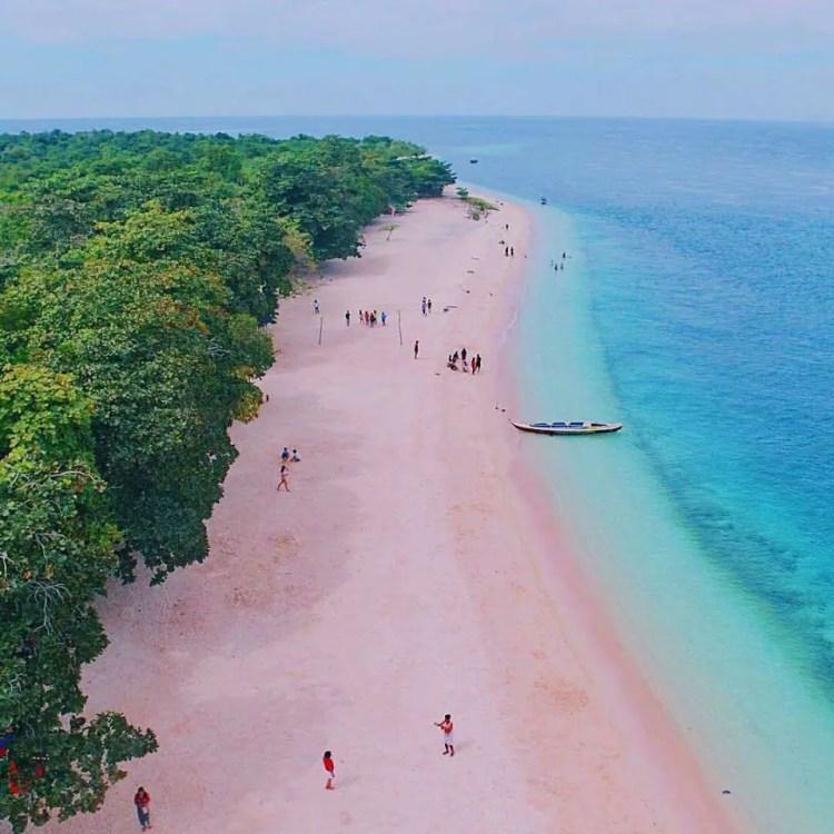 Sta Cruz Island is one of Zamboanga Del Sur tourist spots