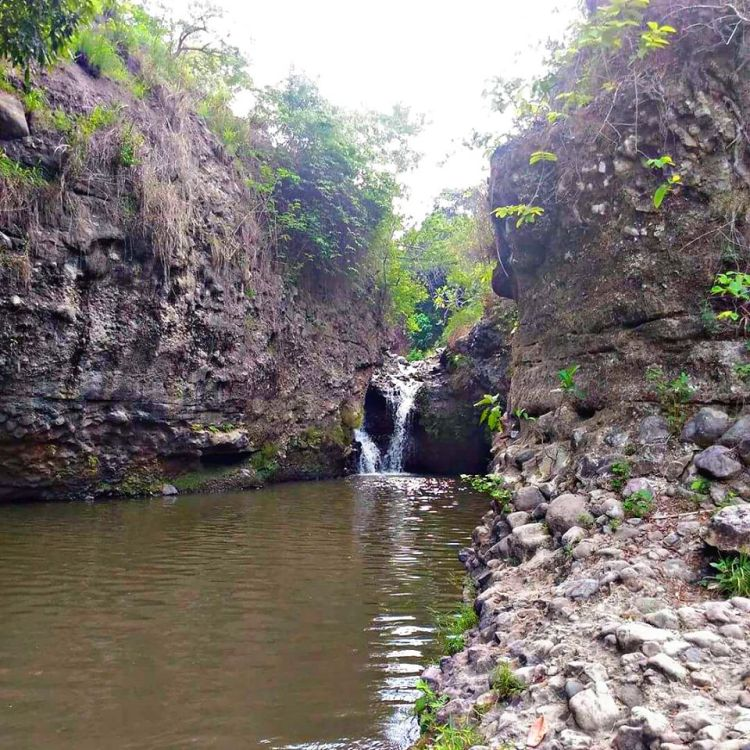 Dara Falls is one of the tourist spots in Pampanga