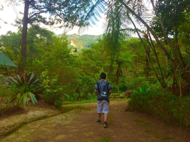 The rustic trail to Winaca Eco Cultural Village