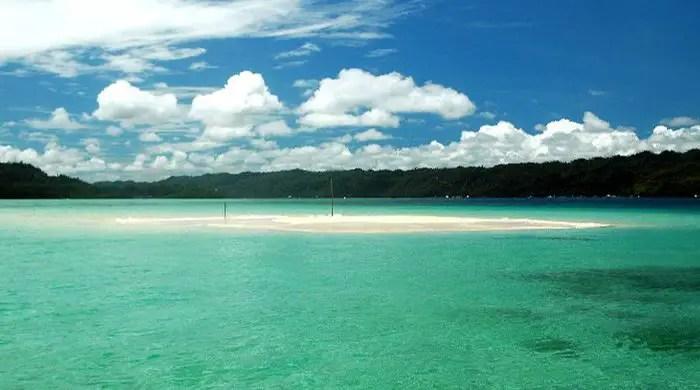 Hinatuan Vanishing Island is one Surigao Del Sur tourist spots.