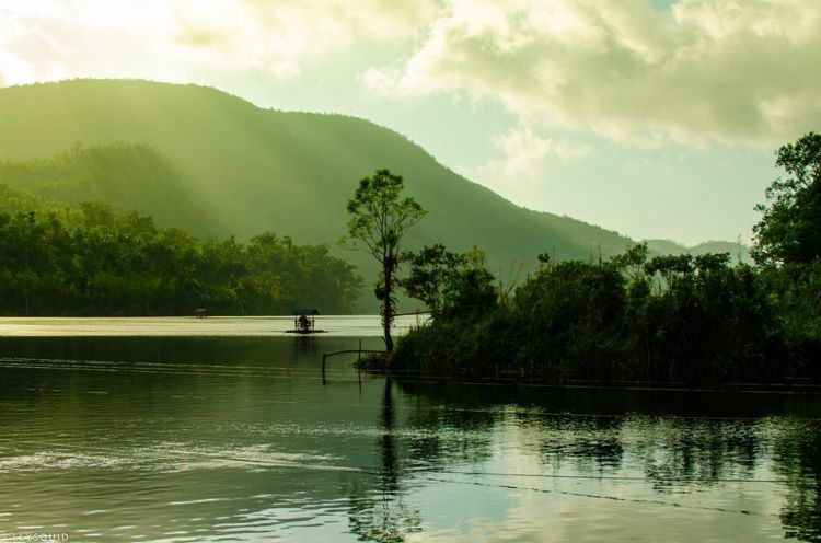Lake Danao National Park is one of the most pristine of Leyte tourist spots.