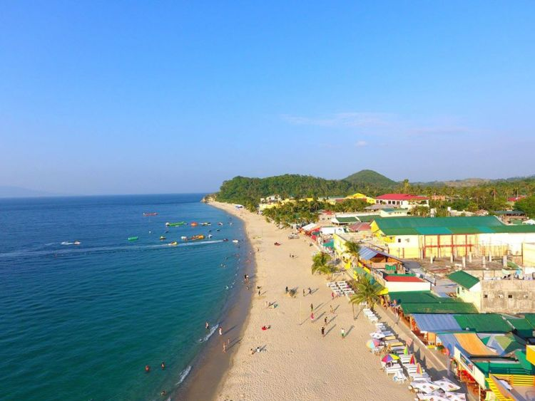 White Beach is one of the best tourist spots/attractions in Oriental Mindoro.