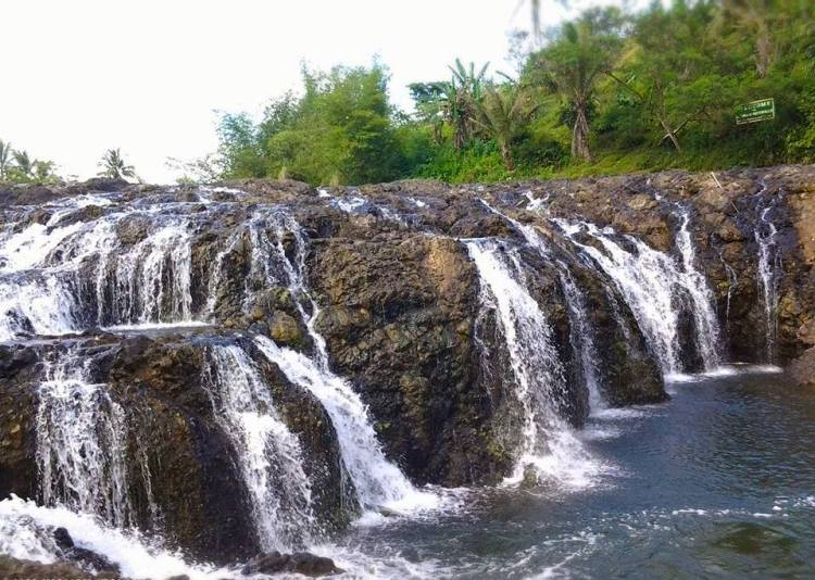 Malinamon Falls is one of the best Capiz tourist spot
