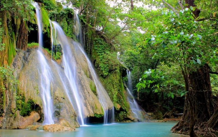 Batlag Falls is one of the top tourist spots/destinations in Rizal Province.