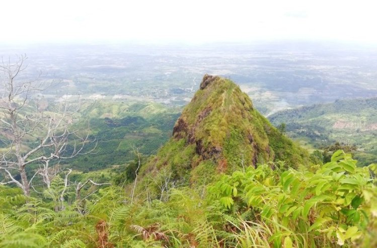 Ugis Peak is one of the best Sultan Kudarat tourist spots