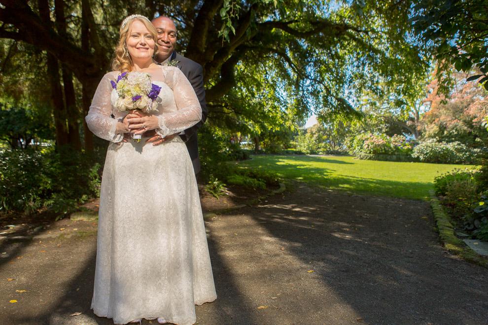 Seatt;e Wedding Photographer Daniel sheehan photograhs a wedding at Parsons Garden