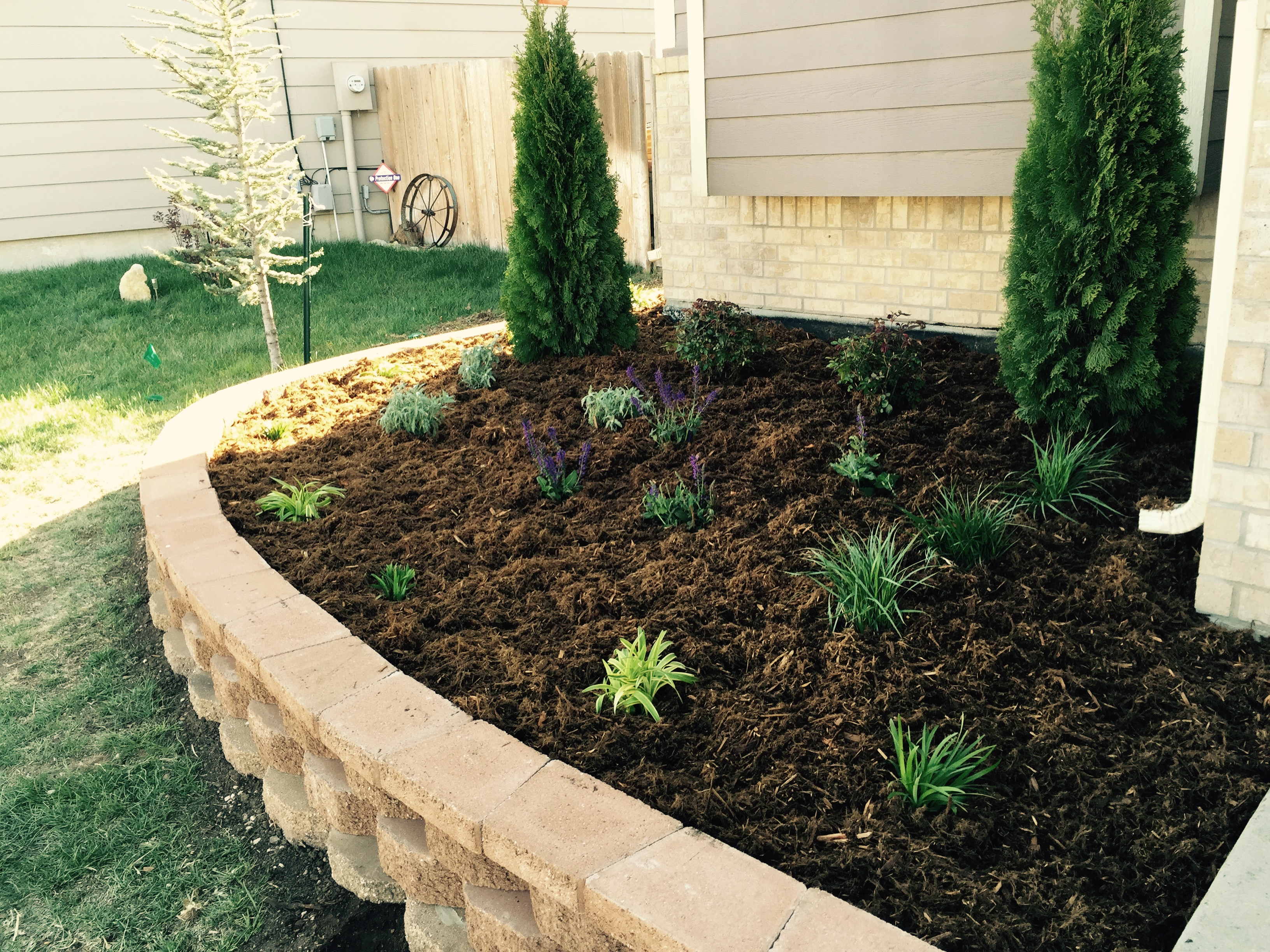 Landscape Ideas | Pavestone and Edging | Landscape Design on Backyard Border Ideas  id=96919
