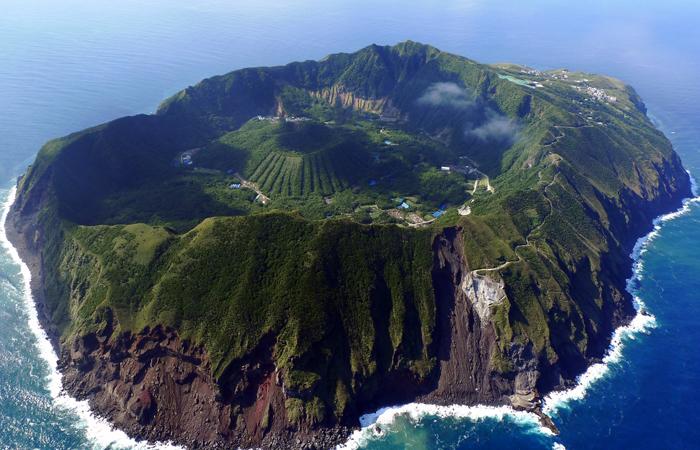 aogashima-Island-japan