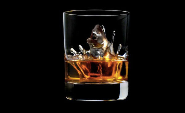 Cool 3D-milled ice cubes that are a work of art: Shark