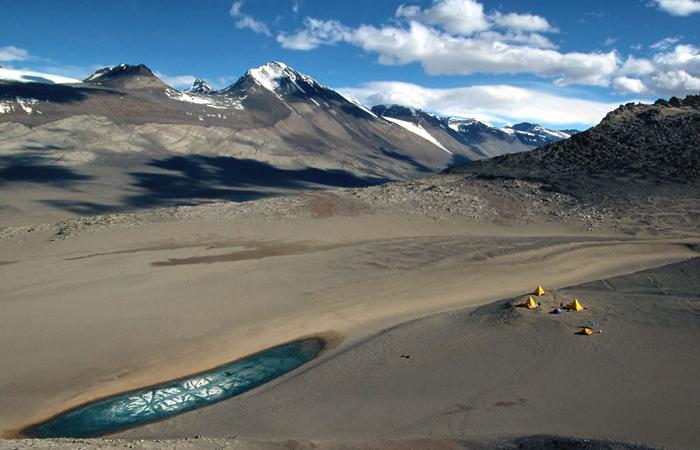 antarctica-dry-valley