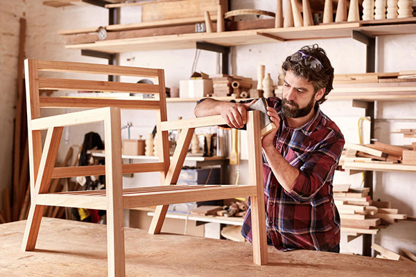 10 things women expect men to know: Assemble furniture