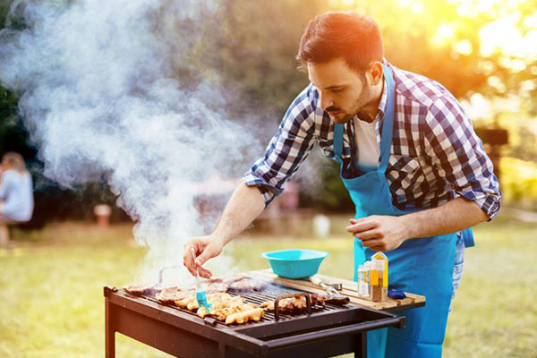 10 things women expect men to know: Grill