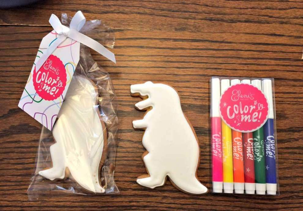 You can now doodle on cookies with edible colour markers