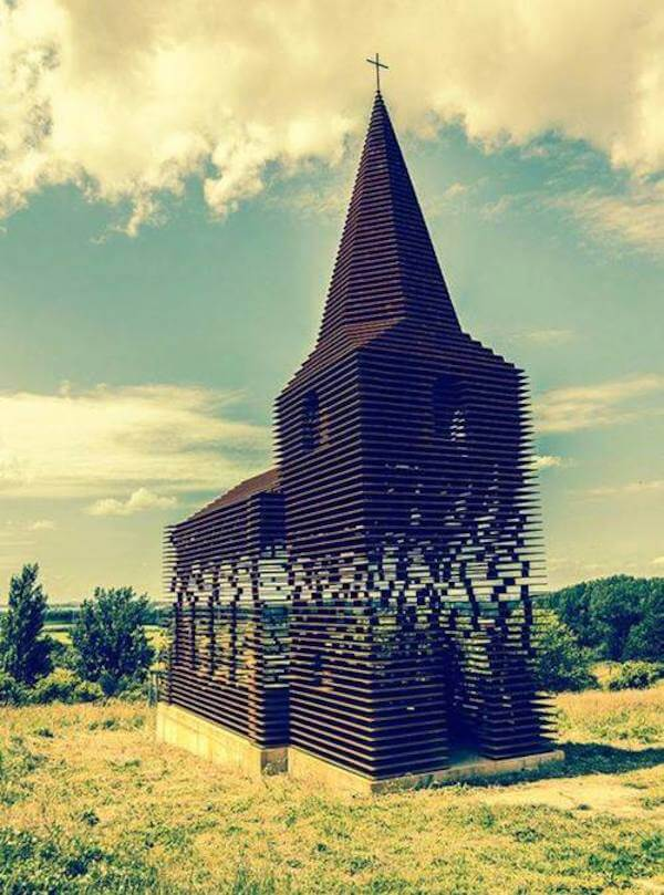 Reading Between the Lines: Architectural optical illusion makes church disappear