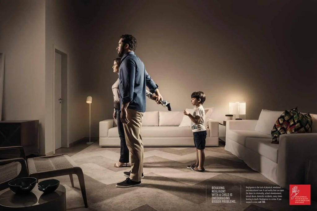 Fórum Catarinense child neglect print advertisement