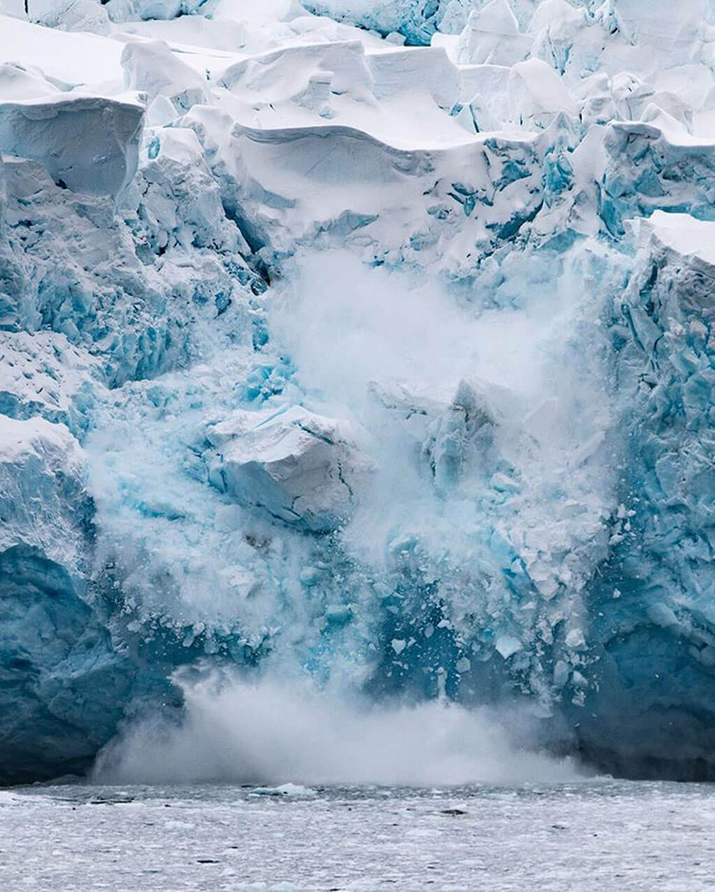 The incredible detail of finger painted icebergs