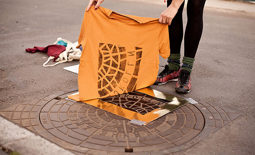 pirate-printers-sewer-covers-print-bags-shirts-1