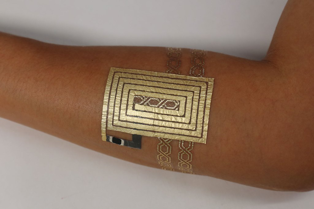 temporary-tattoos-double-as-app-device-controls-2