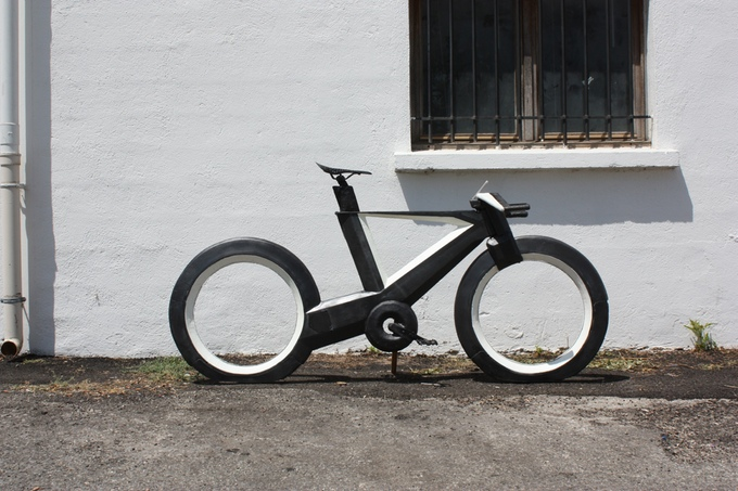 cyclotron-spokeless-smart-bicycle-1