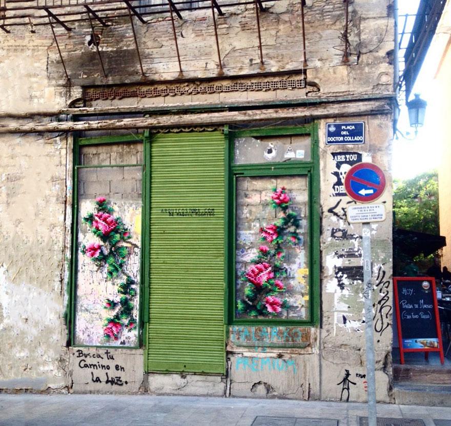 raquel-rodrigo-cross-stitch-street-art-2