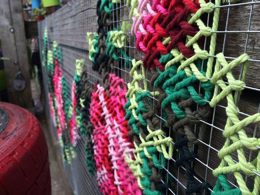 raquel-rodrigo-cross-stitch-street-art-3