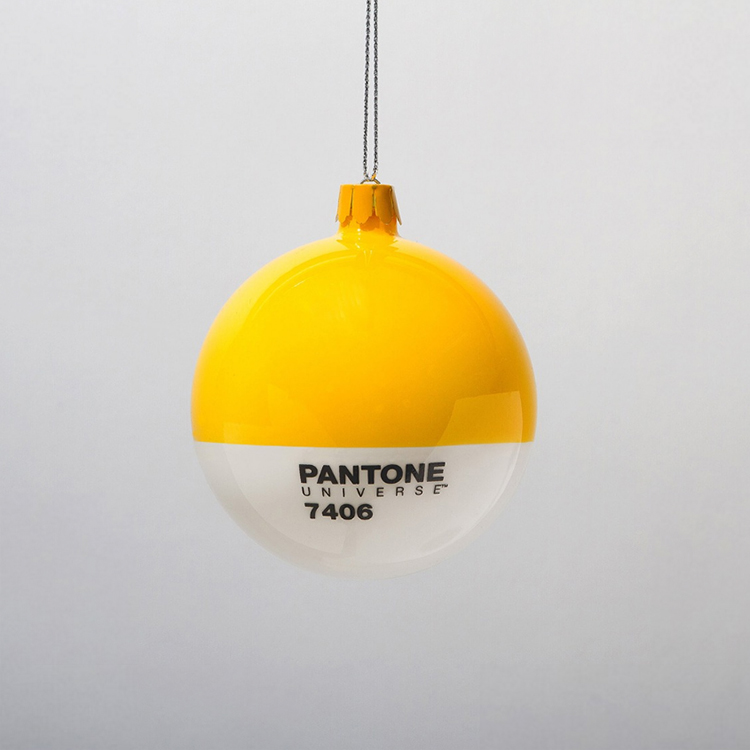 pantone-christmas-ornaments-2