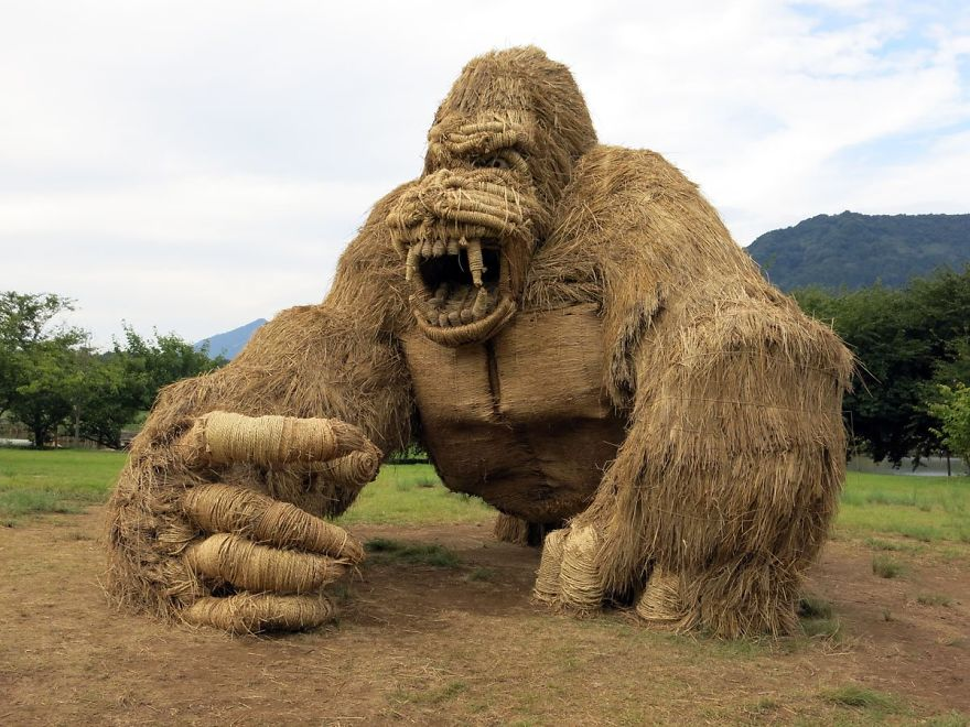 Giant straw animals invade Japanese fields after rice harvest