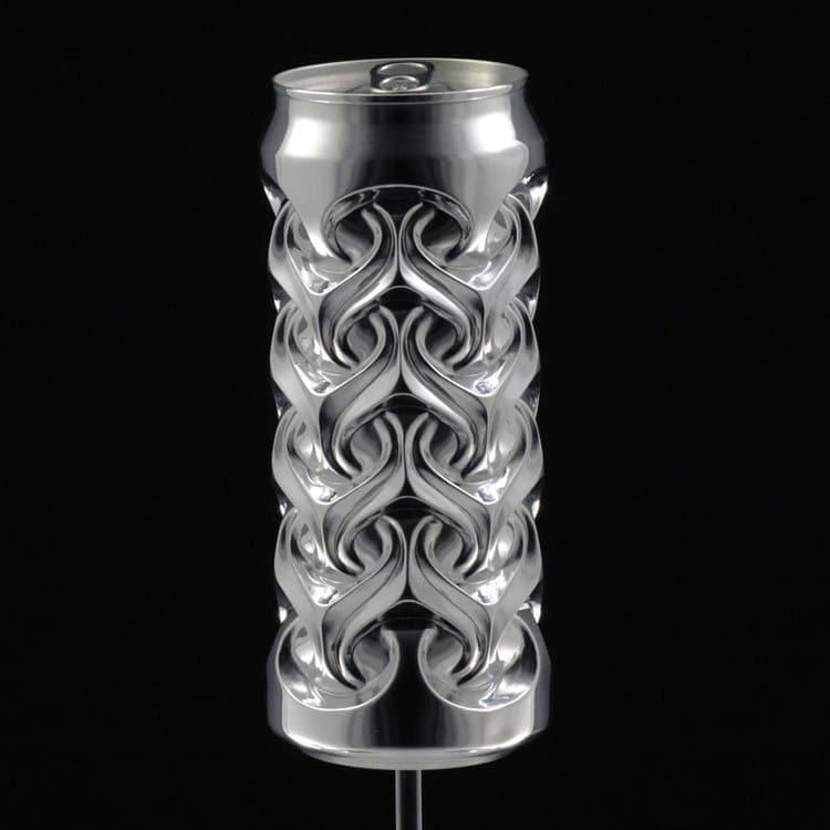 Noah Deledda sculptures made of aluminium cans