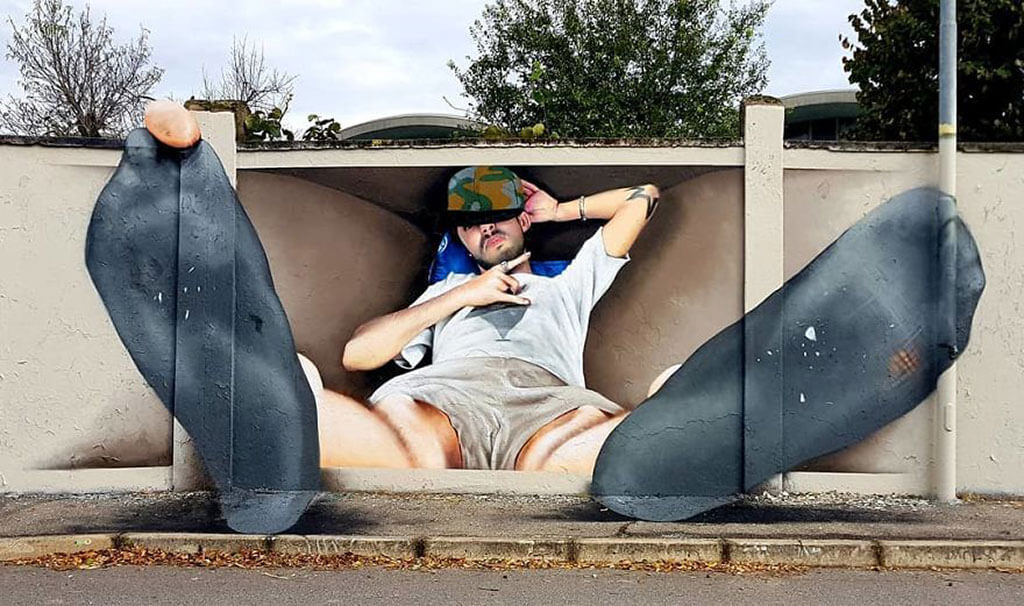 Cosimo plays with perspective to make his murals appear in realistic
