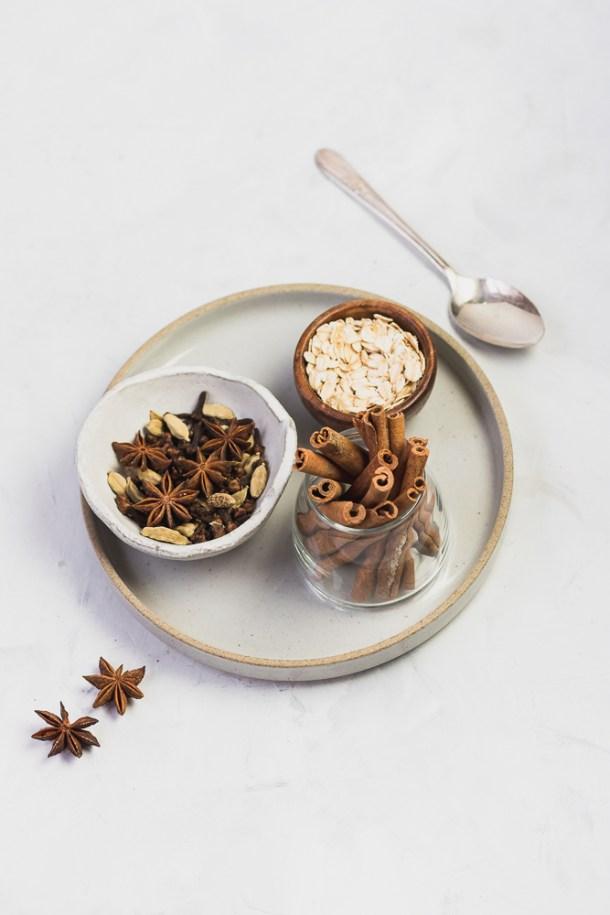 Chai Tea Pumpkin Pie Overnight Oats -1-4.jpg