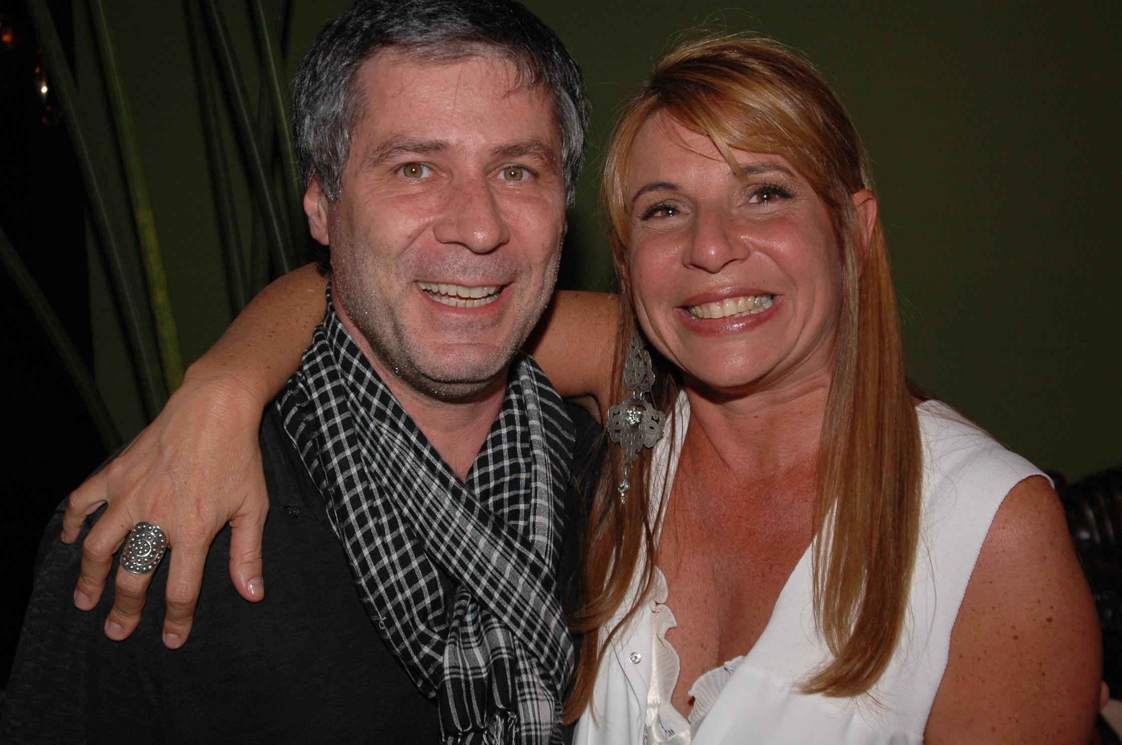 Leopoldo Pacheco foi prestigiar a Vivian Suppa