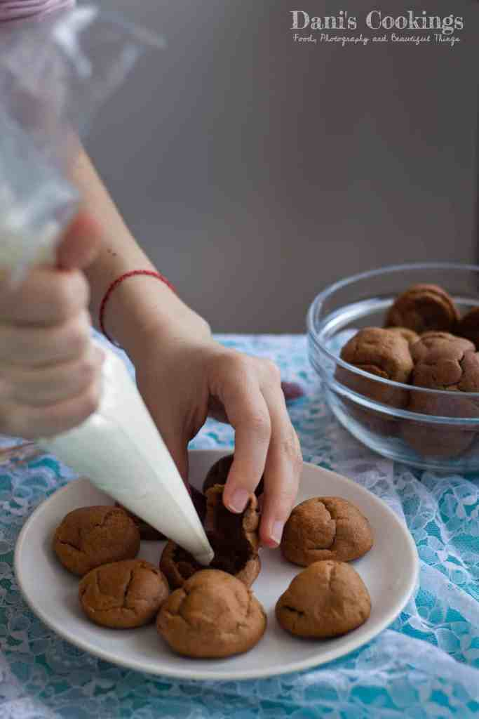 Easy and delicious Cocoa profiteroles with sour cream white chocolate filling | Dani's Cookings