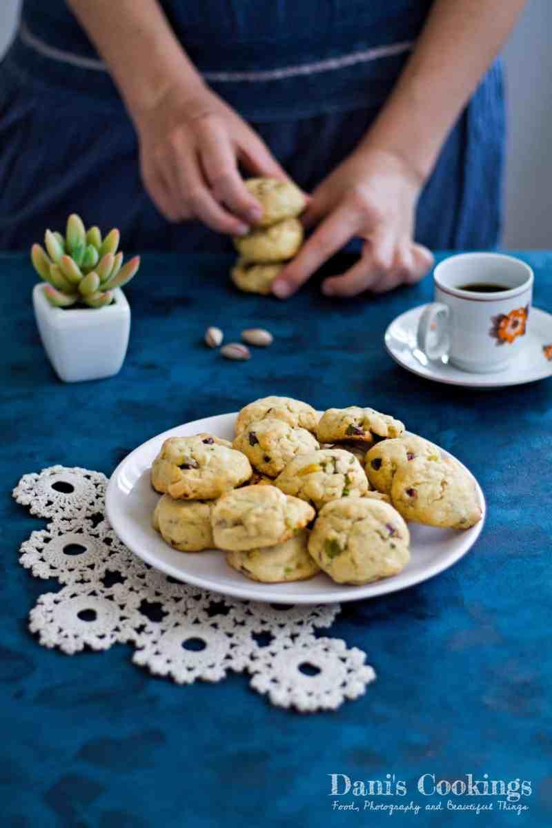 [:en]White Chocolate Pistachio Cookies[:bg]Сладки с бял шоколад и шамфъстък[:]