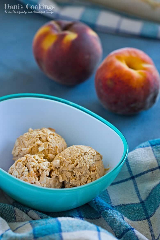 [:en]Caramel Peach No Churn Ice Cream[:bg]Карамелен сладолед с праскови (без машина)[:]
