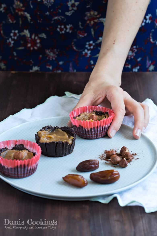 [:en]Healthy Chocolate Caramel Cups[:bg]Здравословни шоколадови кошнички с карамел[:]