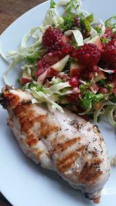 Grillet kylling med salat og hindbærdressing #danishthings.com