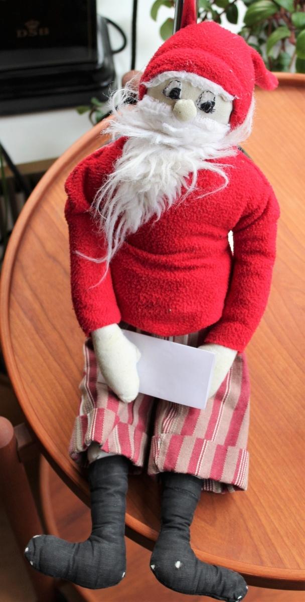 5 forslag til din julekalender - nisse med brev . Find opskrifter, gratis print og inspiration til årets gang på danishthings.com © Christel Danish Things