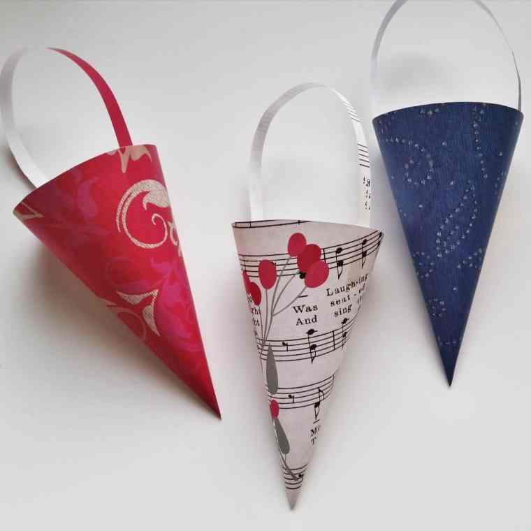 The paper cone – a Danish Christmas decoration. Make your own paper cones or find free prints at danishthings.com