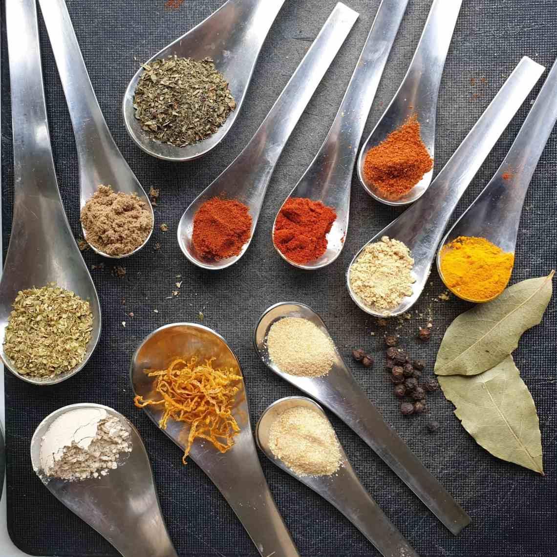 Boost din grøntsagssuppe med suppepulver - et suppekrydderi, som tilfører masser af smag til dine supper og vegetarretter. Find opskrifter og inspiration til årets gang på danishthings.com