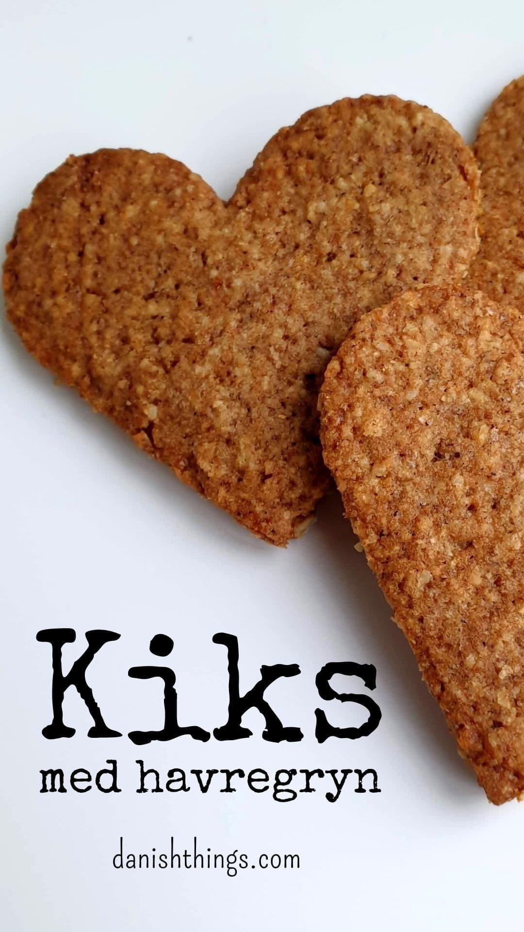 Havregrynskiks - grahamskiks – hjemmelavede digestive kiks. Lav nemt dine egne søde kiks til ostebordet, cheesecakes eller snacks. Skær dem i den form du har lyst, og sæt dit eget præg på smagen. Find opskrifter, gratis print og inspiration til årets gang på danishthings.com #DanishThings #kiks #havregryn #digestive #havregrynskiks #grahamskiks #hjemmelavet #opskrift