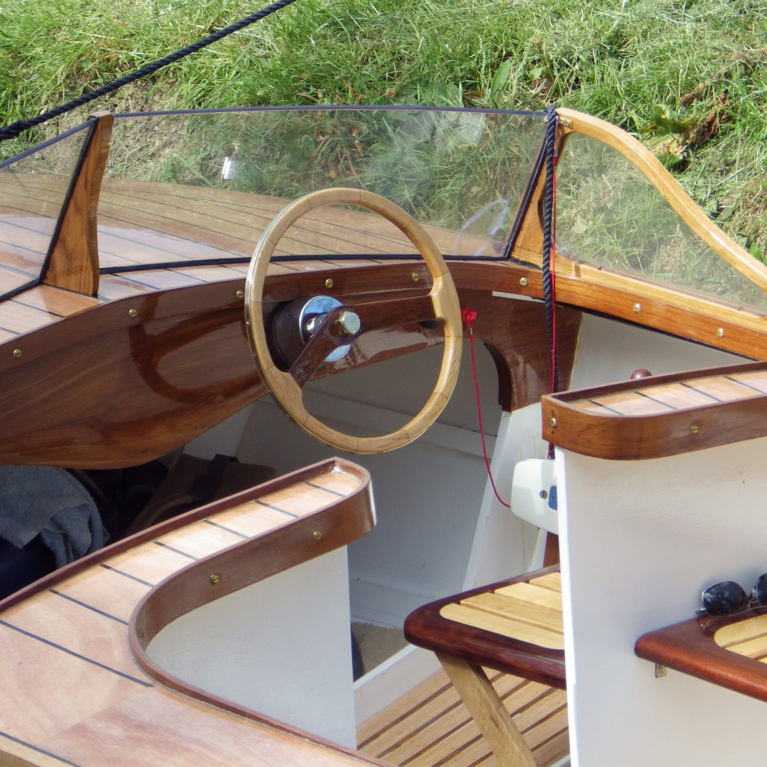 Boatbuilder services Cirencester UK Dan Lee Boatbuilding Lady S cockpit 1950's classic wooden boat