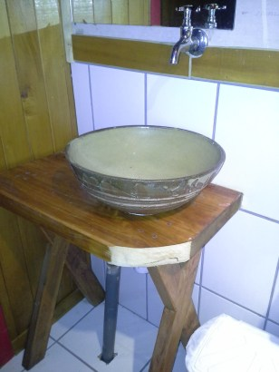 This sink appeared to be very inexpensive, yet attractive.