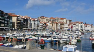 Typical seaside town in Basque country - Lekeitio