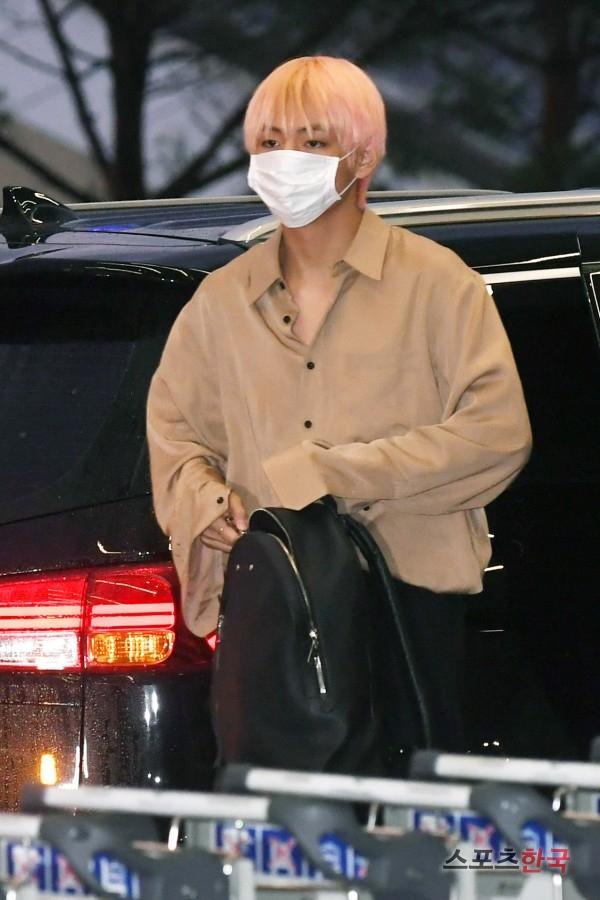 BTS 空港 ファッション